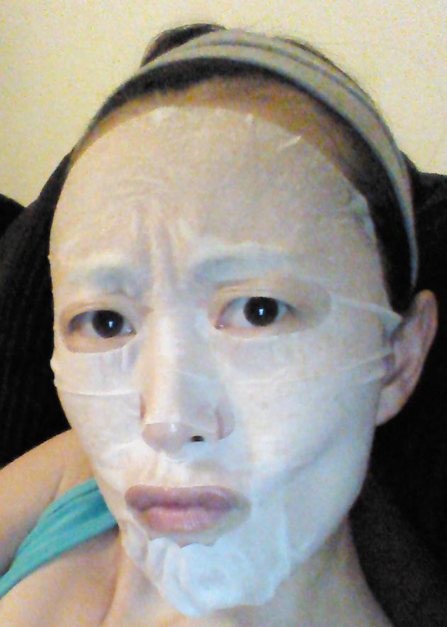 Wearing Innisfree It's Real Squeeze Mask in Bija
