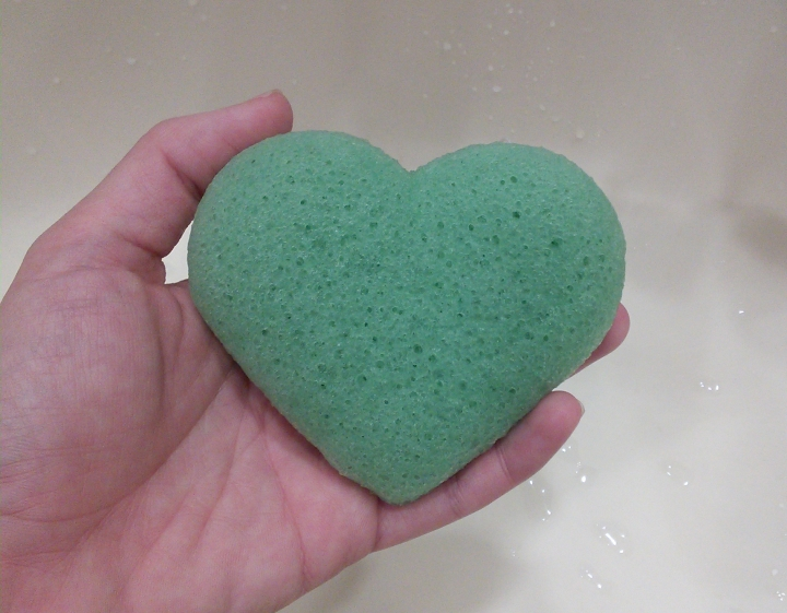 Heart shaped konjac sponge