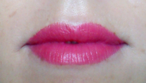 Lip swatch of Innisfree Creamy Tint Lipstick in shade 21