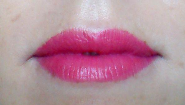 Lip swatch of Innisfree Creamy Tint Lipstick in shade 21