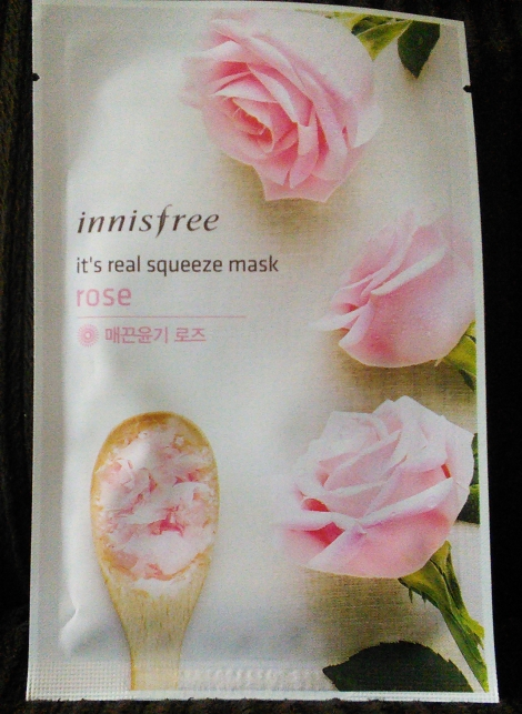 Innisfree It's Real Squeeze Mask in Rose