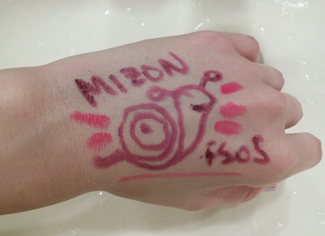 Products used same as for the Innisfree cleanser. LOOK. I DREW A SNAIL.