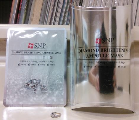 SNP Diamond Brightening Aqua Ampoule Mask packaging