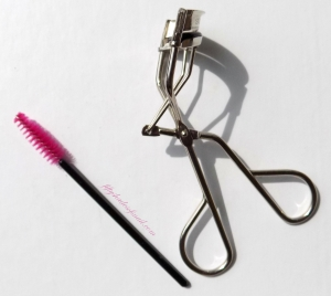 Eyelash curler and mascara spoolie