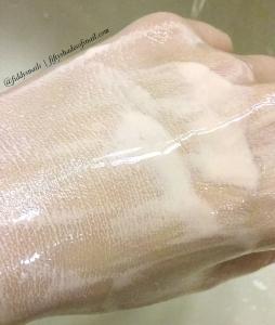 Sulwhasoo Gentle Cleansing Oil emulsified