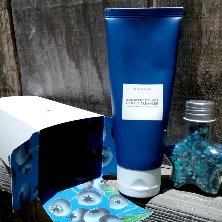 Glow Recipe Blueberry Bounce Gentle Cleanser review