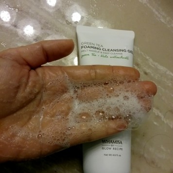 Whamisa Glow Recipe Green Tea Cleansing Foaming Gel foam
