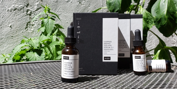 NIOD CAIS2 anti-aging serum packaging